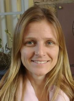 Dr Anita Makins